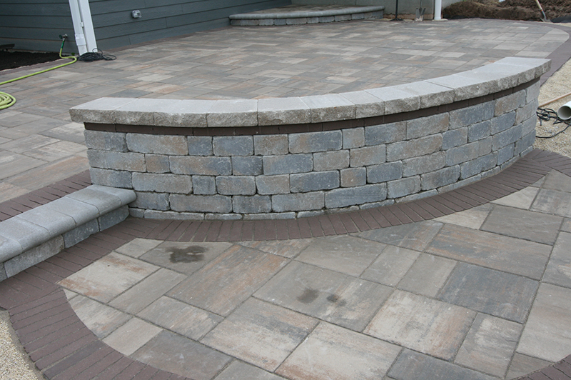 seating wall, brick paver patio